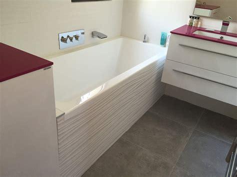 pose carrelage salle de bain baignoire pose de carrelage sol et murs pour salle de bains aix en