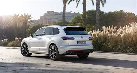 Volkswagen Touareg 2018 by 2018 Volkswagen Touareg Breaks Cover In China Autoevolution