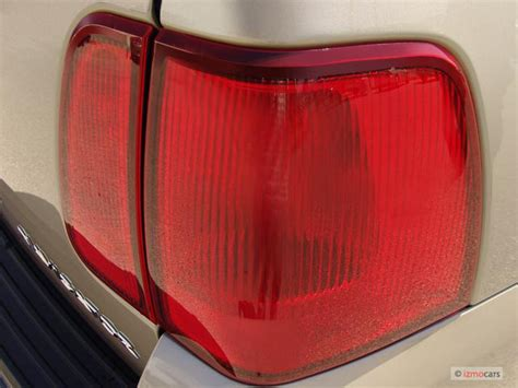 2010 lincoln navigator tail light replacement 2007 lincoln navigator pictures photos gallery the car
