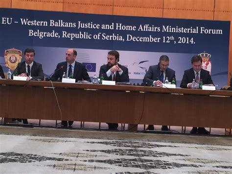 affari interni belgrado il ministro alfano al forum ministeriale affari