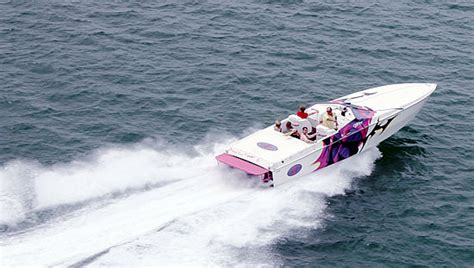offshore cigarette boats high performance speed boat racing adventure in florida