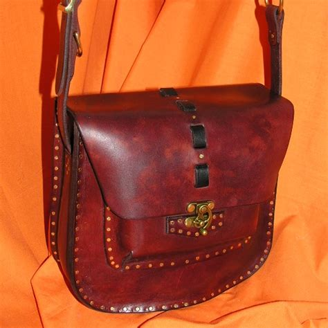 Handmade Leather Purse - leather crafts leather fashion c leather leather work