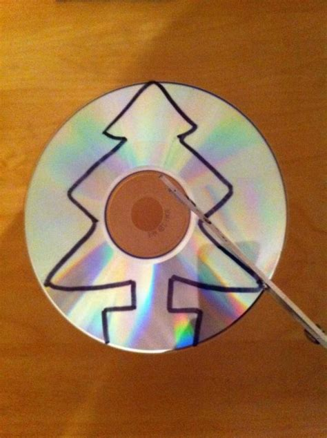 como hacer adornos de cds navide241os c 243 mo hacer un adorno para el 225 rbol de navidad con un cd viejo