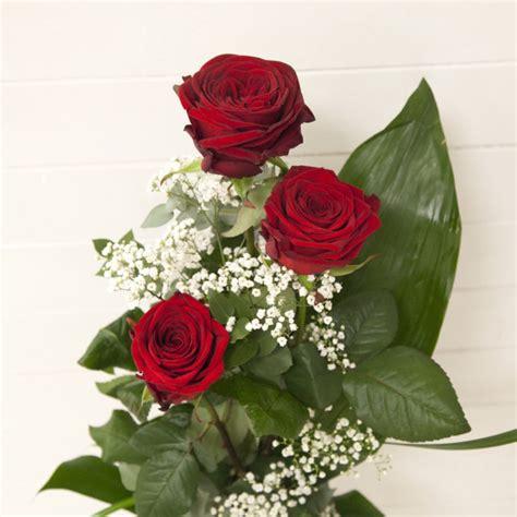 acquisto fiori confezione di tre rosse co dei fiori