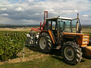 Renault Tractors File Renault Tractor With Forklift 201 Pernay 2011 B Jpg