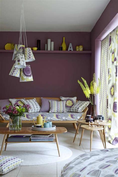 agréable Idee Deco Interieur Maison Moderne #2: 0-salon-moderne-chic-comment-associer-prune-couleur-nuancier-violet-pour-le-salon-idee-deco.jpg