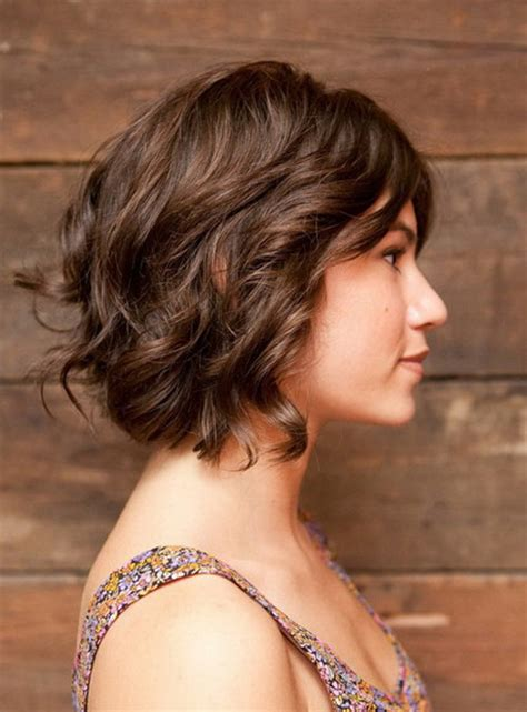 short layered curly hairstyles for wavy hair layered short curly hairstyles