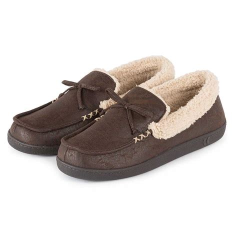 mens sherpa slippers isotoner mens pebble moccasin slippers with sherpa ebay