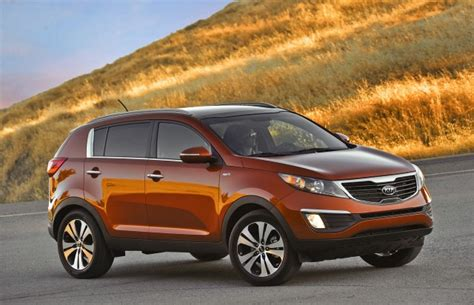 Tucson Kia by Car Compare 2010 Hyundai Tucson Vs 2011 Kia Sportage