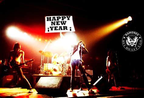 new year in docklands 2015 画像 2015年賀状 参考になりそうなロックな年賀状 干支 new year card naver まとめ