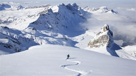 best skiing alps safe skiing in the alps how to avoid the avalanches