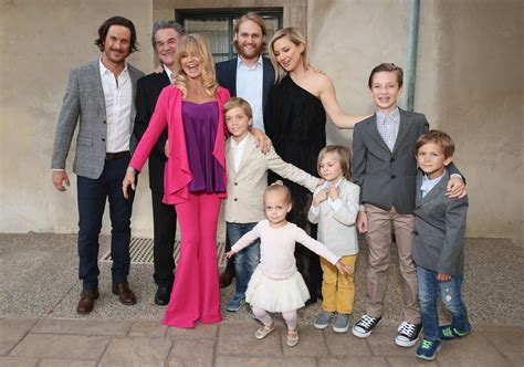 oliver hudson today goldie hawn and kurt russell s kids see a complete guide