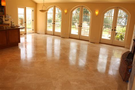 travertine tile in a livingroom