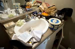 dirty girl dirty bathroom pictured the recovering addicts behind canada day terror