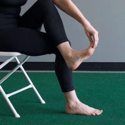 Plantar Fasciitis Stretches To Soothe Heel Pain Planters Fasciitis Stretches