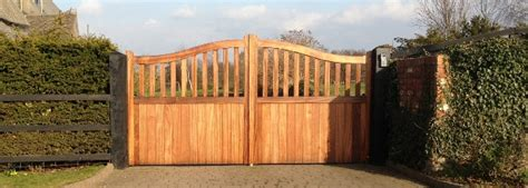 wooden gates  delivery