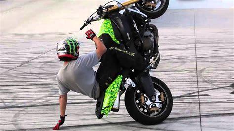 best motorcycle stunts best stunt bike motorcycle bicycling and the best bike ideas