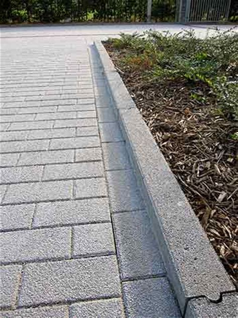 bordures de jardin en ciment bordures pr 233 fabriqu 233 es en b 233 ton pour jardin
