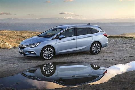 Opel Astra Compact Opel Astra Sports Tourer A Compact Estate Which Is