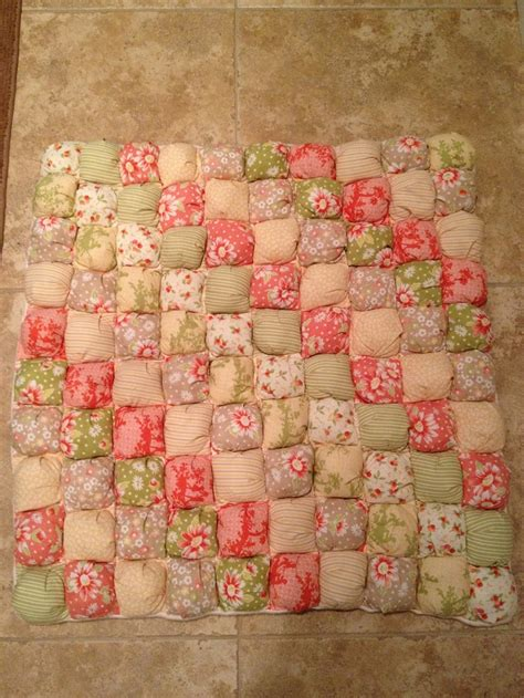 Baby Puff Quilt by 118 Best Images About Quilts Puff Biscuit On