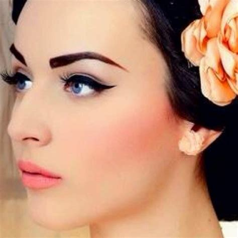 Eyeliner Make by 25 Best Ideas About Retro Makeup On Vintage
