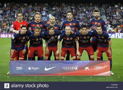 barcelona line up barcelona spain 17th apr 2016 barcelona team group