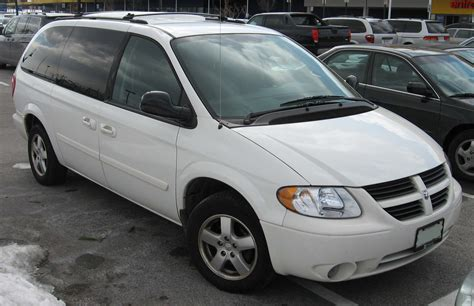 file dodge grand caravan sxt jpg wikimedia commons file 2005 2007 dodge grand caravan jpg wikimedia commons
