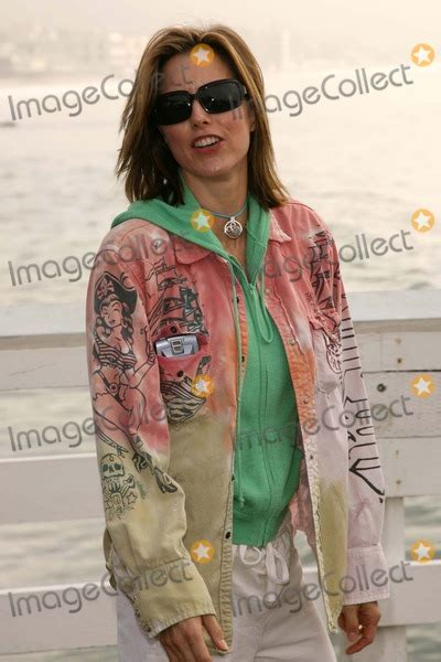 A Day At The And Paddle Out Protest by Photos And Pictures Tea Leoni At Quot A Day At The