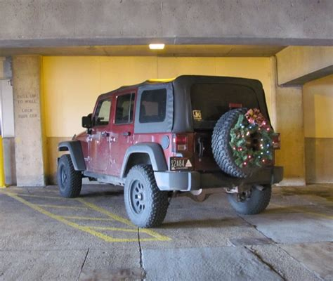 jeep wreath wiring powering jk xmas wreath jk forum com the top