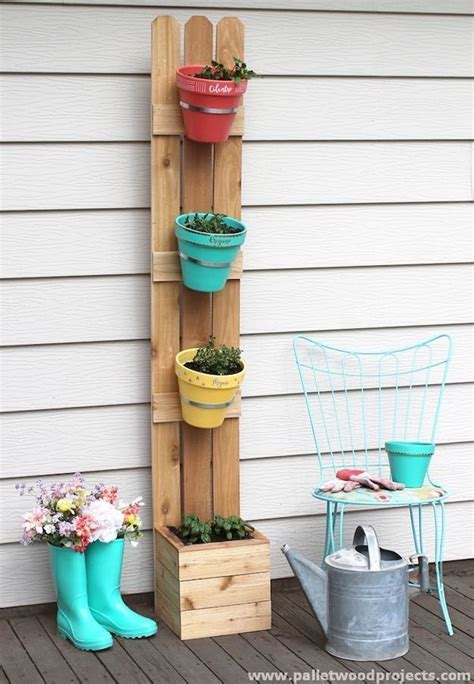 Vertical Planters Ideas by 17 Best Ideas About Vertical Planter On