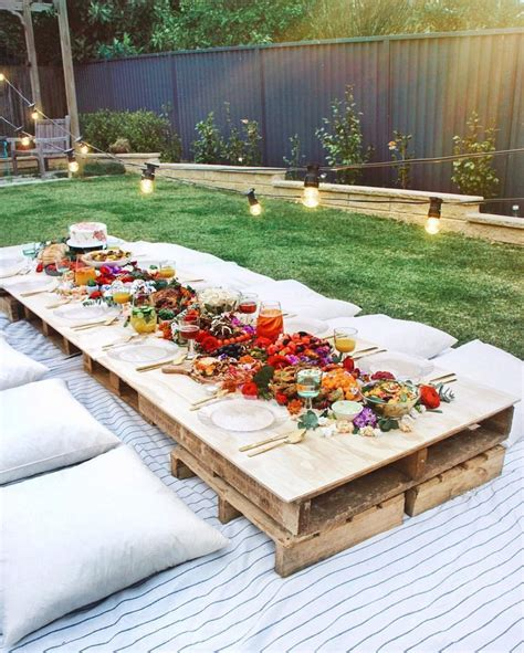 backyard picnic ideas 820 best images about contenedores shipping containers on