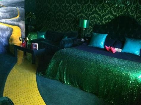 roxbury hotel themed rooms 502 best wizard of oz images on wizards wizard of oz kansas and wizard of oz quotes