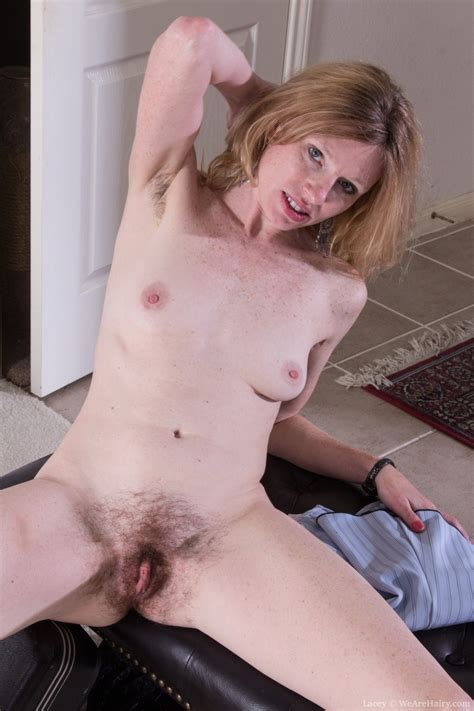 Lacey Loves To Show Her Hairy Pussy And Body Pichunter
