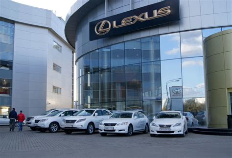 lexus dealership lexus sells more cars per dealer than anyone not named