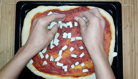 Pizza Veloce Fatta In Casa by Pizza Margherita Fatta In Casa Una Gustosa Ricetta