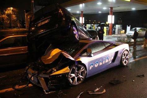 Italian Lamborghini Crash Lamborghini Gallardo Car Wrecked In Italy