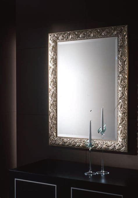 cornici eleganti specchio con cornice in foglia argento per ambienti