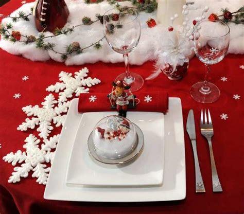 Decors De Table De Noel by Decoration Noel A Table S 233 Clairer Efficacement Avec Les
