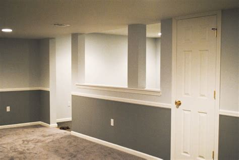 two tone walls with chair rail two tone walls chair rail jpeg lentine marine 51951