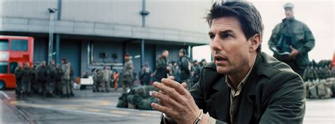 film tom cruise emily blunt edge of tomorrow review tom cruise and emily blunt star