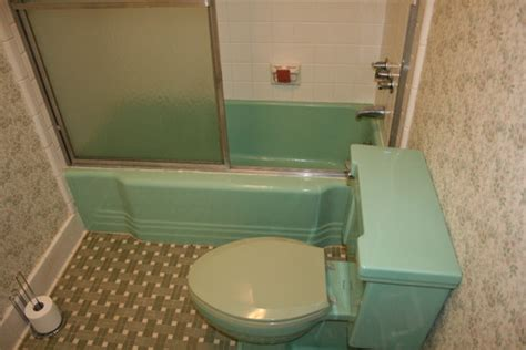 green bathtub retro green bath any ideas on fixing it up