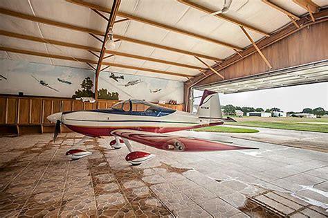 wacky mural rich home  hangar compound  richmonds