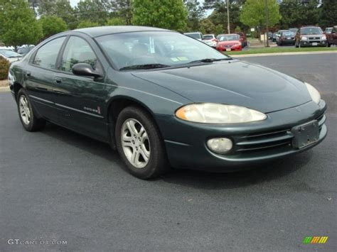 shale green metallic 2000 dodge intrepid es exterior photo