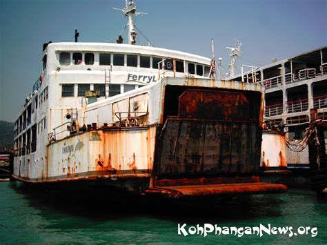 ferry boat captain ferry captains lose license for racing to koh phangan