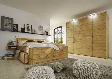 schlafzimmer echtholz gomab m 246 bel zum leben kiefern m 246 bel fachh 228 ndler in