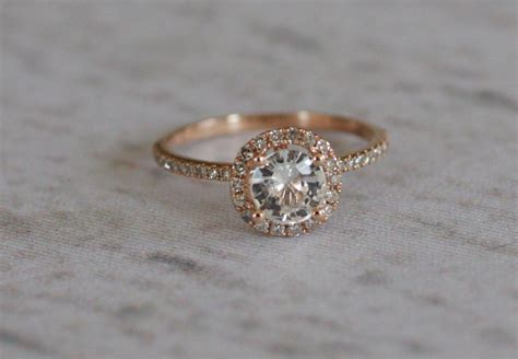 white sapphire ring a 14k gold setting