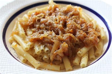 ricette cucina genovese pasta alla genovese la ricetta originale napoletana