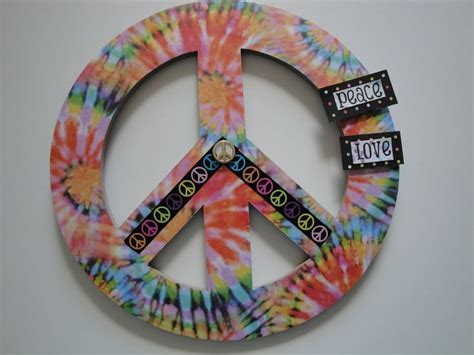 peace sign bedroom decor name plaques peace signs and teen room decor on pinterest