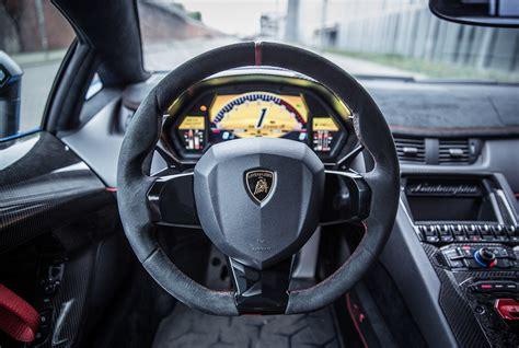 Lamborghini Lenkrad by Lamborghini Aventador Sv Roadster Test Technik