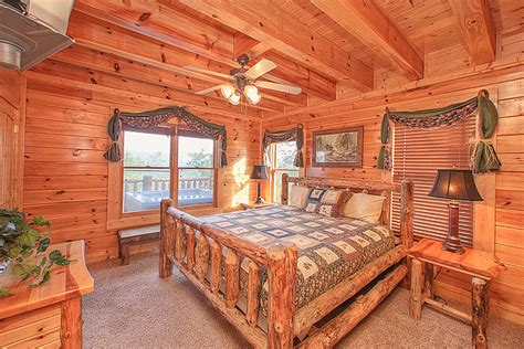 Parkside Cabin by 4 Bedroom Sleeps 14 Parkside Palace By Large Cabin Rentals